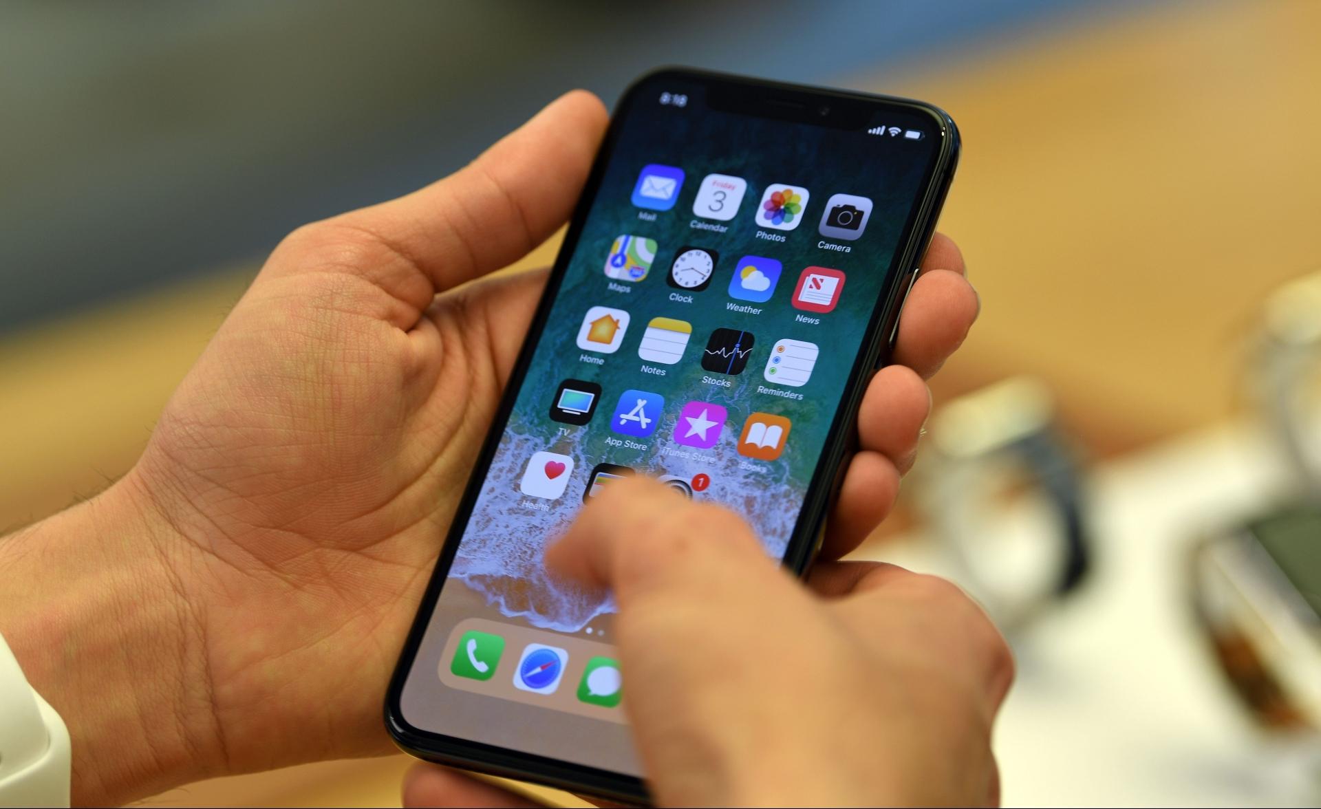 Les États-Unis pourraient interdire Apple de préinstaller ses apps sur ses produits